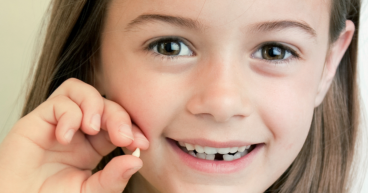 how to get a loose tooth out with dental floss